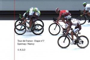 Tour de France photo finish Matteo Trentin and Peter Sagan