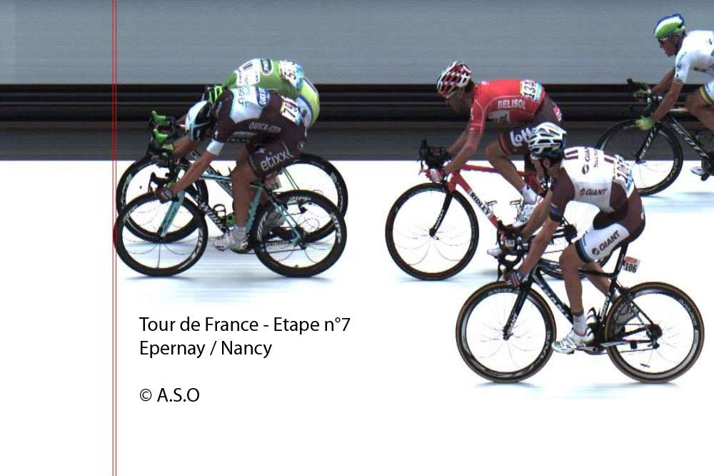 Tour de France cycling photo finish Matteo Trentin & Peter Sagan