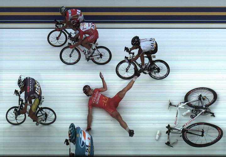 cycling photo finish crash image