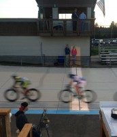 Cycling photo finish with ellipsoidal spotlight